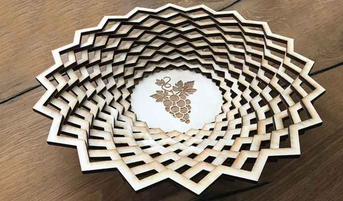 coustem made gift basket laser cutting on wood